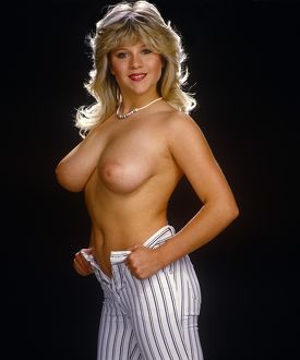 Samantha Fox topless indoors